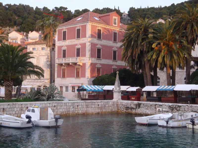 HVAR CENTER-ONE DESIGN APARTMENT Novak Bonaparte, location de vacances à Hvar Island