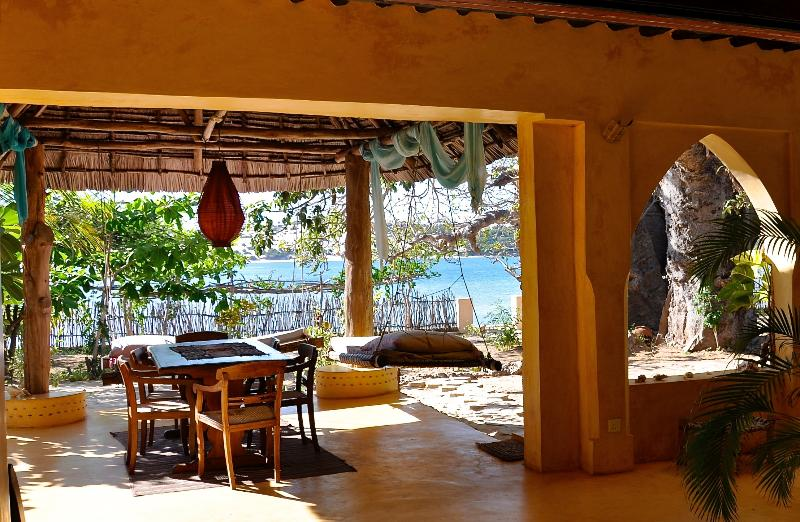 Baobab House, Dining on the veranda- Bernard will serve food downstairs or upstairs.