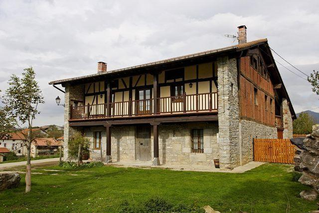 Casa Rural Apezetxea, holiday rental in Navarra