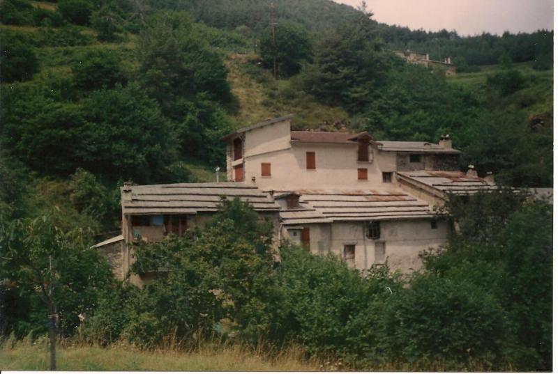 Bel appartement dans ancienne grange rénovée, holiday rental in Tende