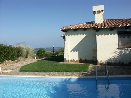 Villa with private pool, garden and beautiful sea view!