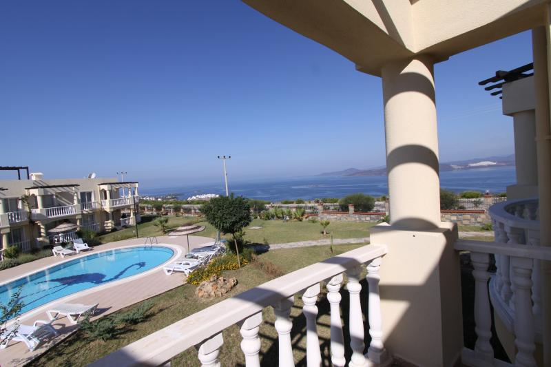 Gran balcón con vistas despejadas
