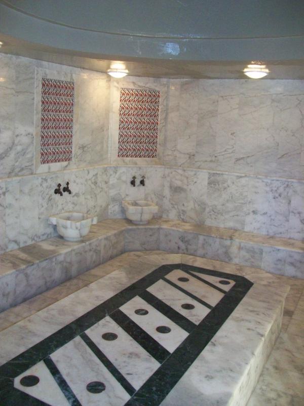 Baño turco, uno de los muchos en instalaciones