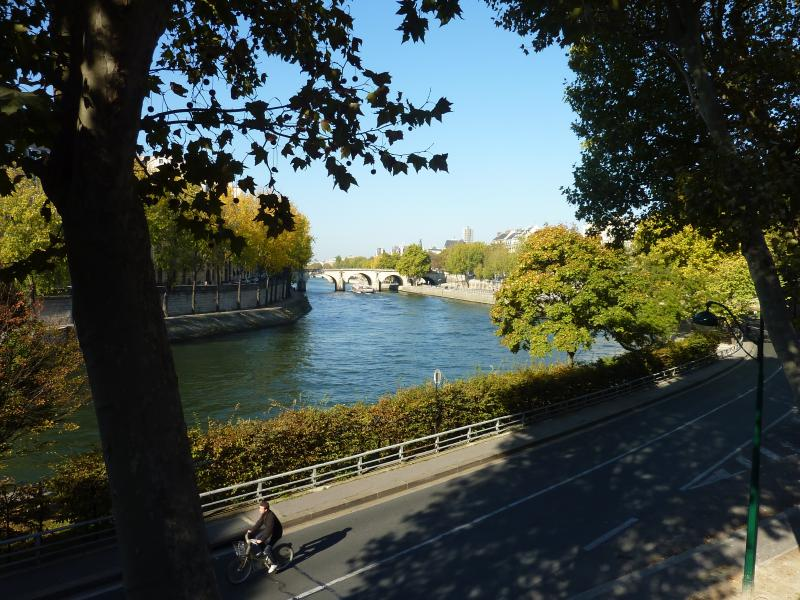 Romantic Seine river, close to the apartment.