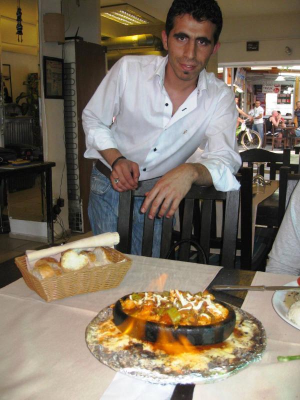 La comida que se sirve en el sitio en restaurante.