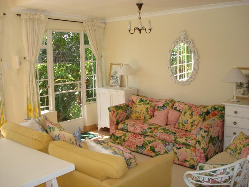 Garden Cottage lounge
