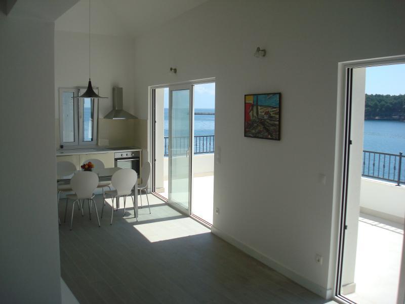 Aparthouse Hvar(ap3-penthouse), aluguéis de temporada em Hvar Island