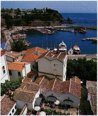Puerto y ciudad vieja