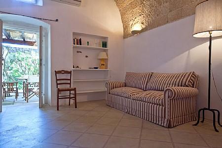 Santa Maria al Bagno Villa Sleeps 4 with Pool and Air Con - 5229676, vacation rental in Chiesanuova