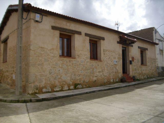Casa Rural Roca Pintada, holiday rental in La Cisterniga