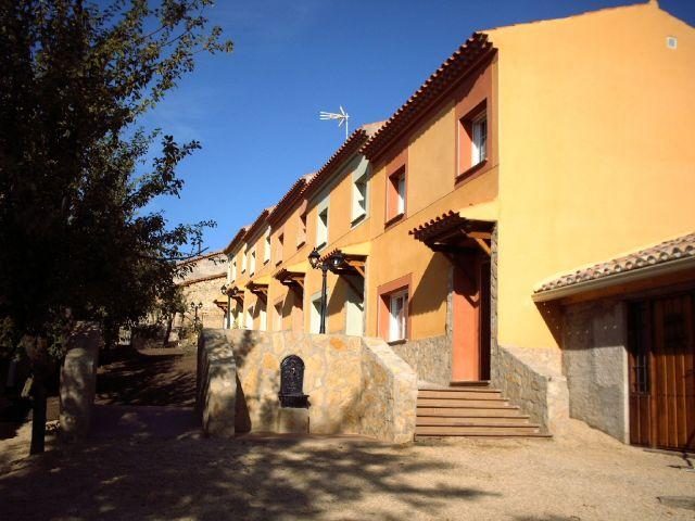 Capacity: 2-27 people. Kitchen BBQ / wood burning fireplace. Cuenca Serranía Natural Park