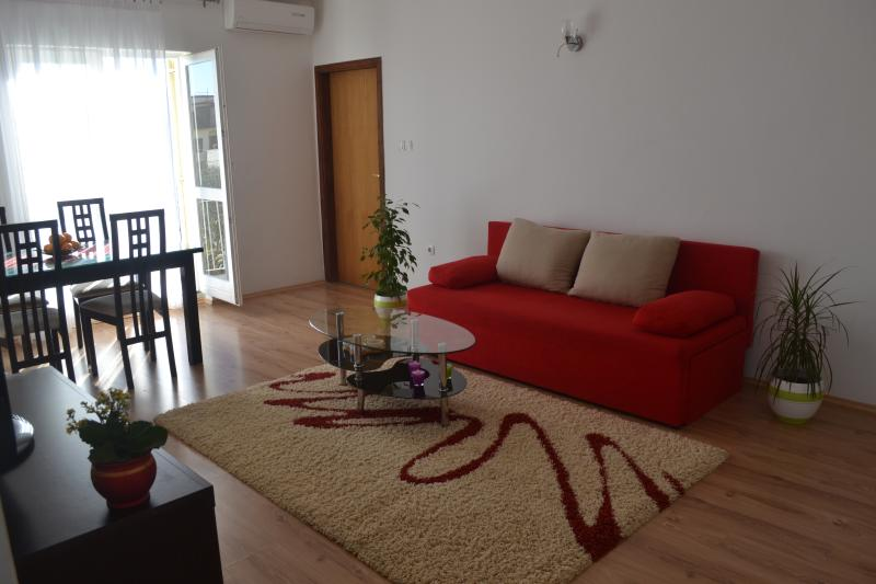 Angie A1-2bedroom-Near BEACH-Free parking, holiday rental in Zadar