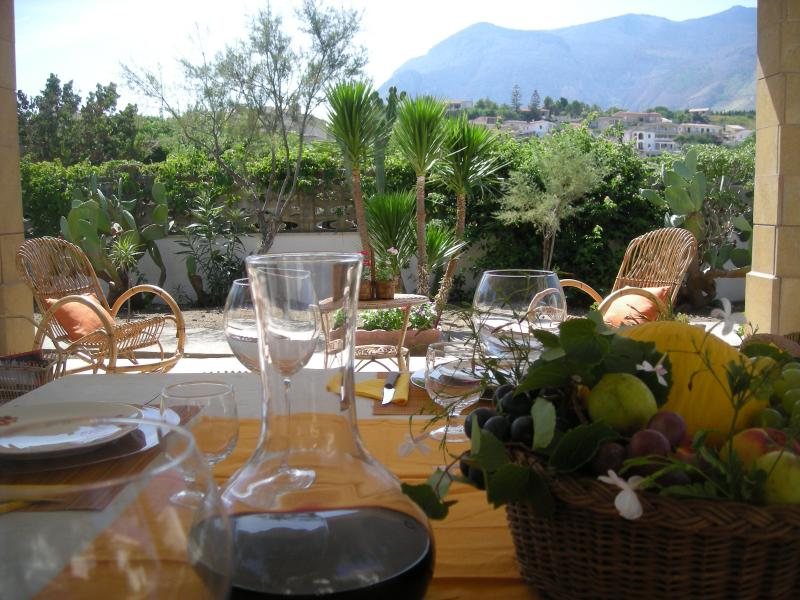 Villa on the beach, holiday rental in Castellammare del Golfo