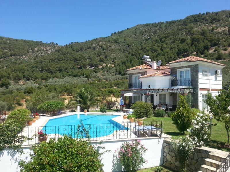 Superbe Boutique Villa', de beaux jardins et grande piscine privée