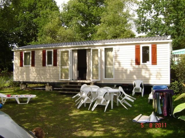 Domaine de Kerlann Siblu Brittany 3 bedroom Mobile Home Caravan Hacienda, holiday rental in Pont-Aven