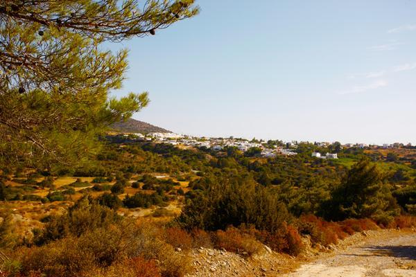 Vista di Lahania dalla valle