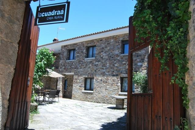 Casa Rural en Salamanca 12pax!, casa vacanza a Sequeros