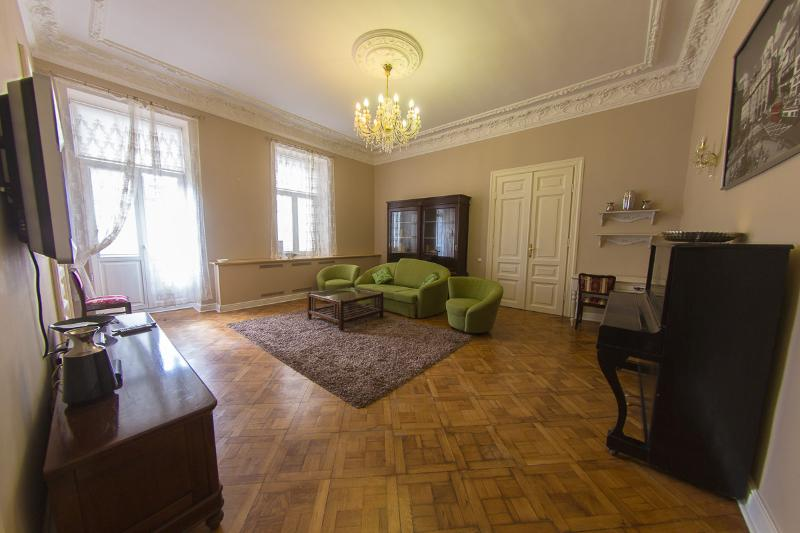 Luxury Old Town Apartment, vacation rental in Vilnius County