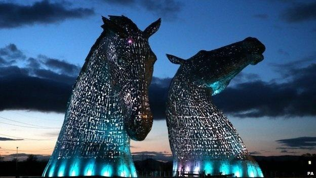 Each of The Kelpies stands up to 30 metres tall and each one weighs over 300 tonnes.