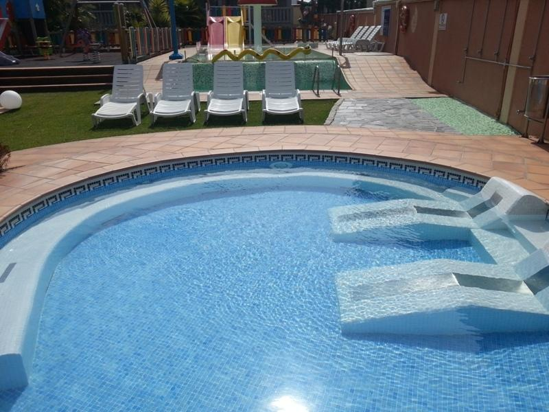 Außen-Jacuzzi mit Wasserbetten Luft.