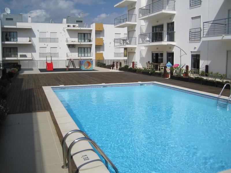 Quiet pool area with a small number of apartments