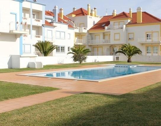 Apartamento na Praia do Baleal T1, holiday rental in Baleal