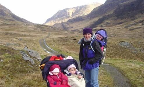 Guest Damian Mole took this lovely family pic on the old Glencoe road.