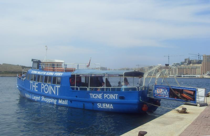 Ferry is 3 minutes from the apartment with 10 minute crossing to Sliema