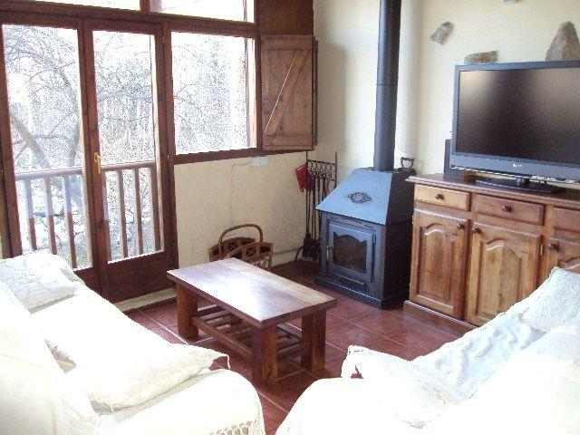 Large windows on the river. Television SONY planaLCD of 40 inch with built-in Freeview and control Equip