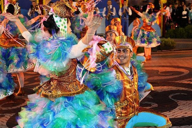 Alfama - winnaar van de populaire heilige Parade voor de zevende keer in de afgelopen 10 jaar