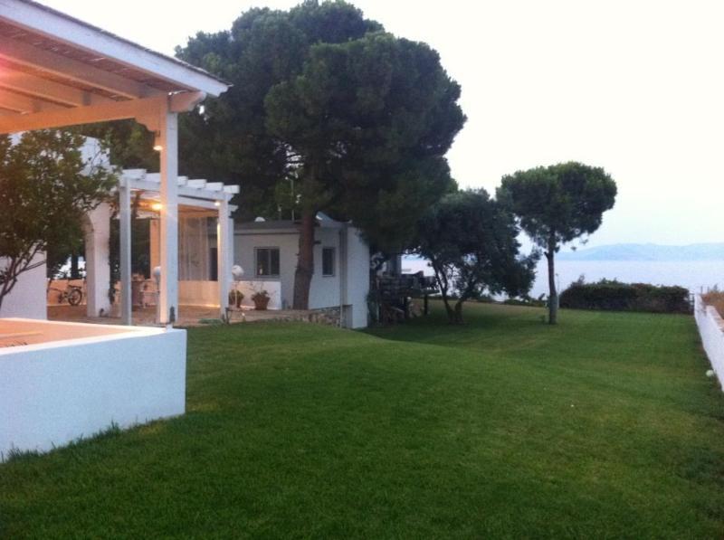 Beach house, vacation rental in Marathon