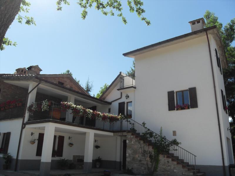Apartment in a tower, Urbino, aluguéis de temporada em Cantiano