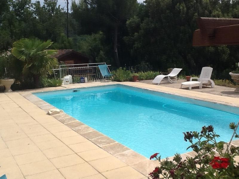 La Benvingude 1 chambre d'hôtes, aluguéis de temporada em Saint-Martin-de-la-Brasque
