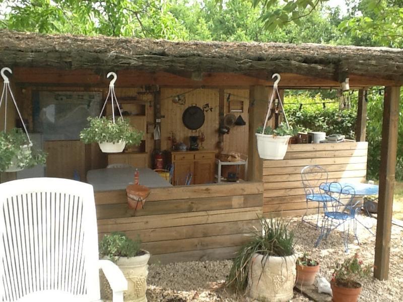 La cabaña reservada para la cama y desayuno. Para desayunos sin horario fijo.