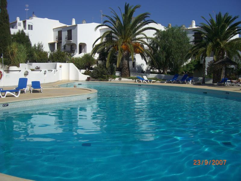 The Main Pool - Less than 1 min walk!!!