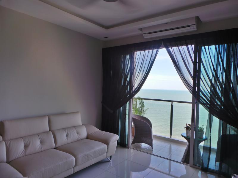 New Completed Luxury Sea View, holiday rental in Batu Ferringhi