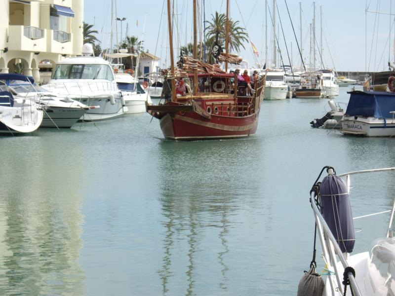 marina boat trips