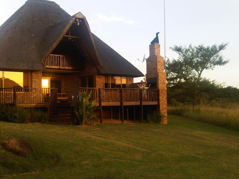 Swagat at Kruger Park Lodge: Modern & Convenient Safari Location, vacation rental in Hazyview