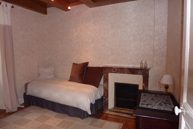 Second Bedroom - twin beds