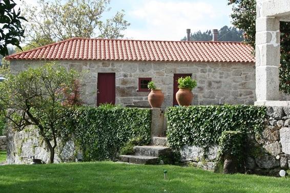 Cazal da Lamella-'Casa do Forno'- A Traditional Cottage, vacation rental in Felgueiras