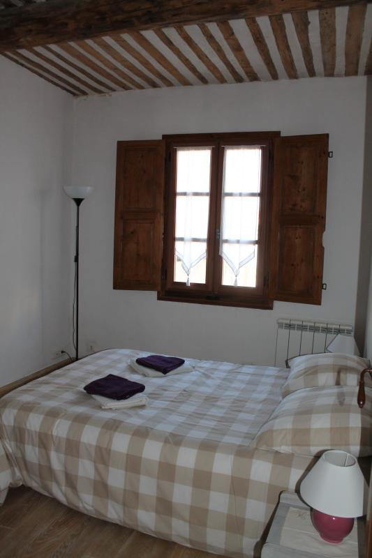 Main bedroom (2nd level)