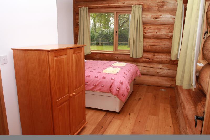 Third Bedroom (Double Bed)