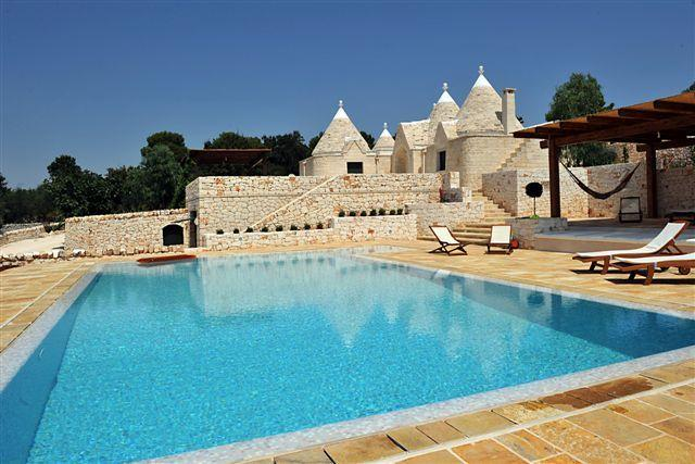 Pool area with the Trullo in the background