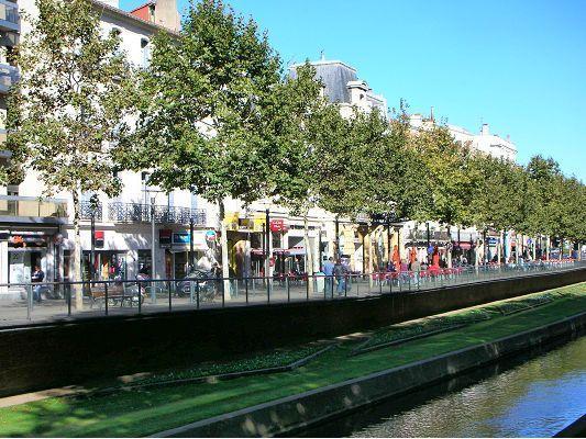 Quai Vauban with boutiques and cafes a plenty - 5 minutes walk away