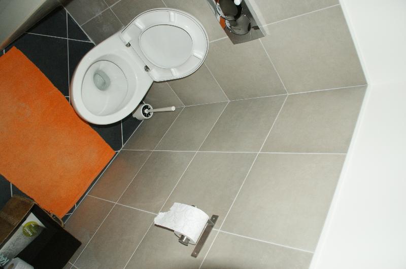 separate toilet on each floor  (2)