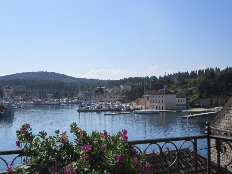 Milna 304 Apartment, holiday rental in Brac Island