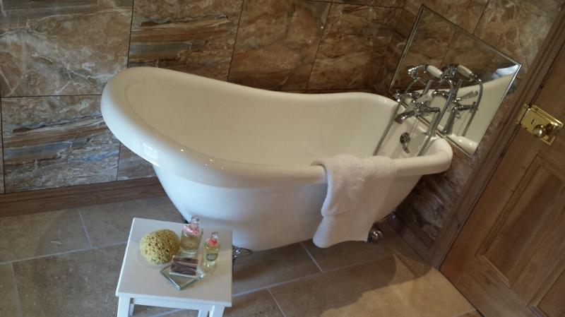 Main Bathroom relax and unwind