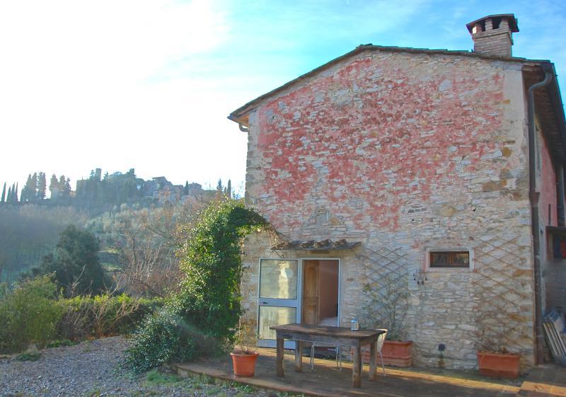 Casa Benincasa, charming room with terrace in Chianti