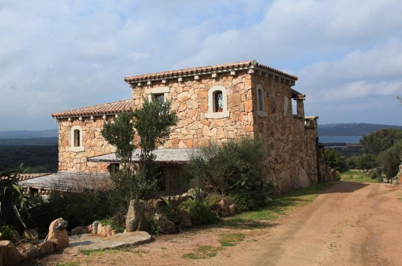 RURAL VILLA  OVER THE SEA, location de vacances à Palau