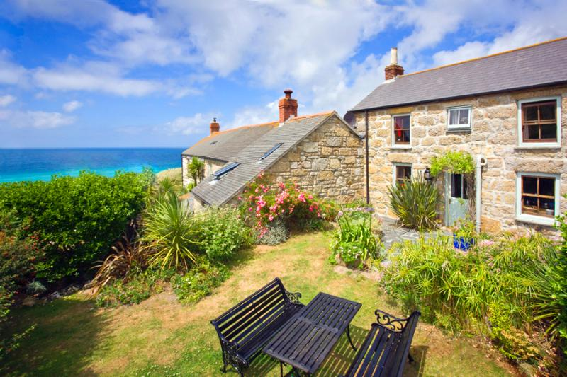 WHITE ROSE , traditional cornish cottage in an amazing location by the beach, casa vacanza a Sennen